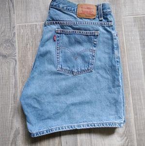 Levi's Classic Fit Jean Short Size 18 Mis